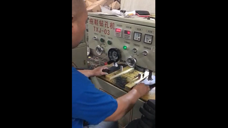 Flip Flops Slippers Drilling Hole Production In Rowoo Shoes Factory