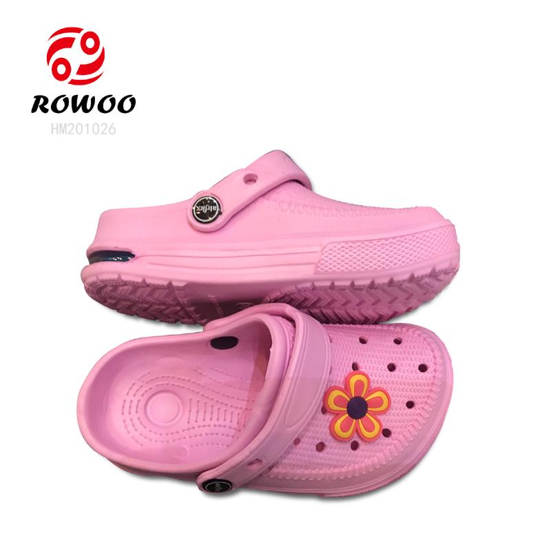 cheap luxury sport hole  anti-slip colourful light garden shoes for kids